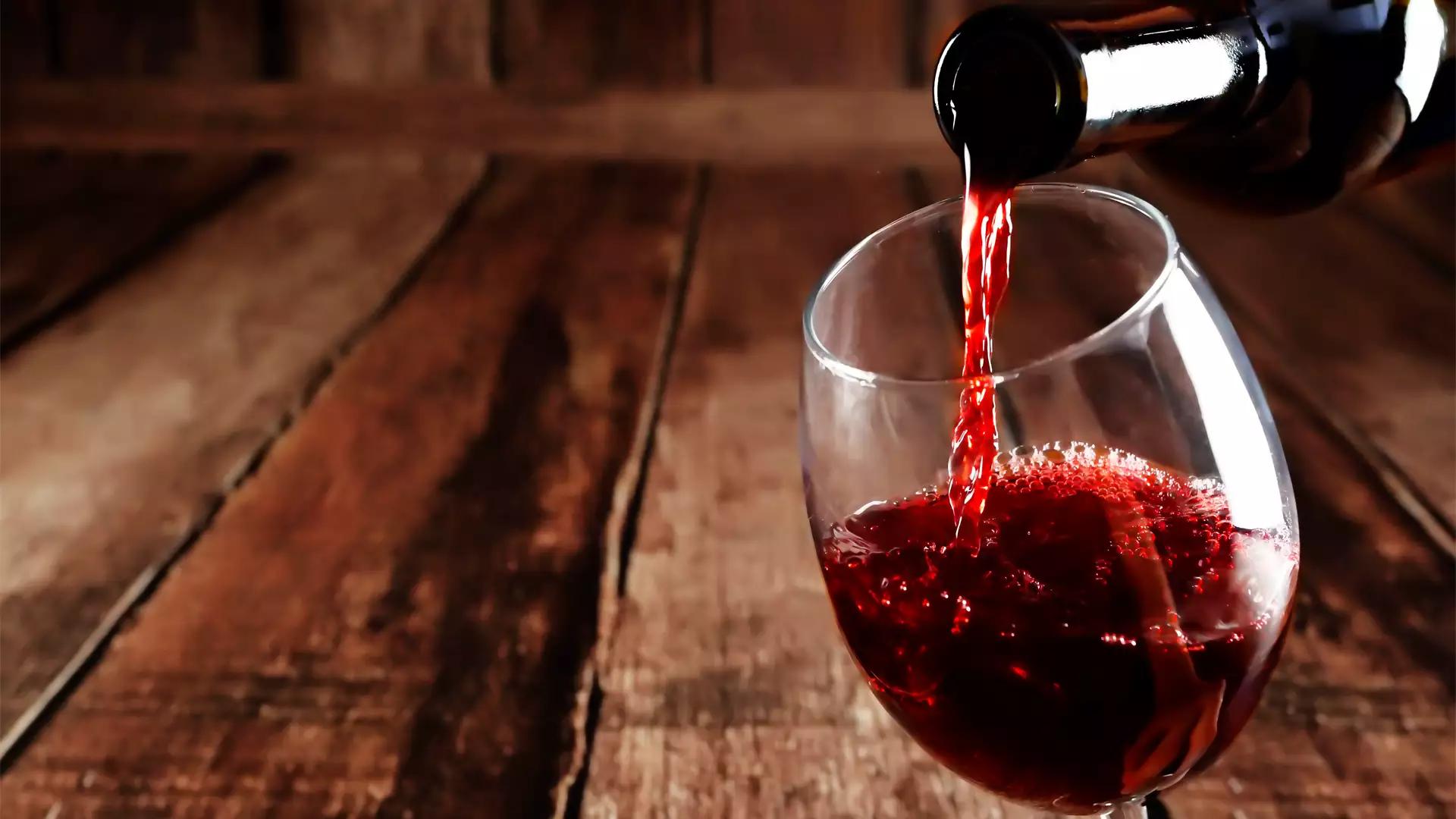 Alimentos que fazem bem para a pele: vinho tinto (Fonte: Jornal de Brasília)