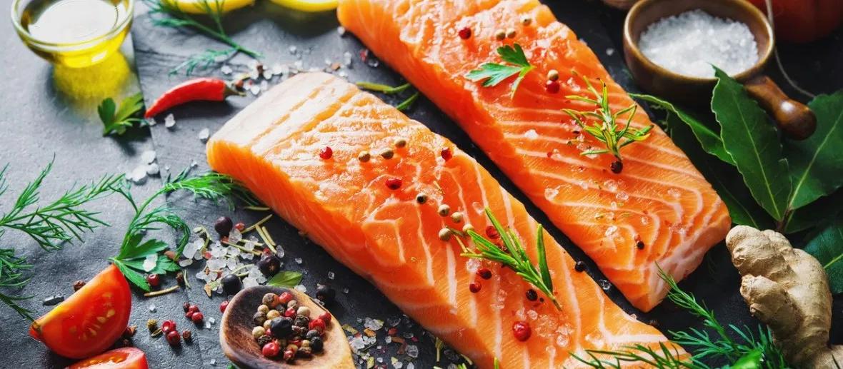 Alimentos que fazem bem para a pele: Salmão (Fonte: Wine)