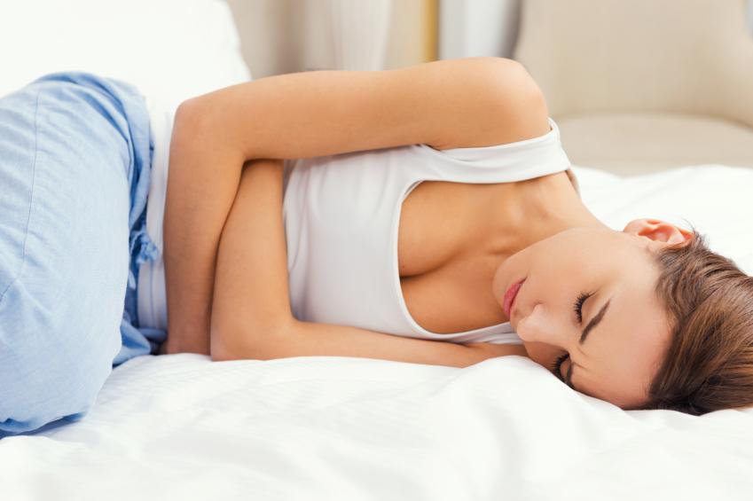 Chá de hibisco alivia cólica menstrual (Fonte: Doctor Med)