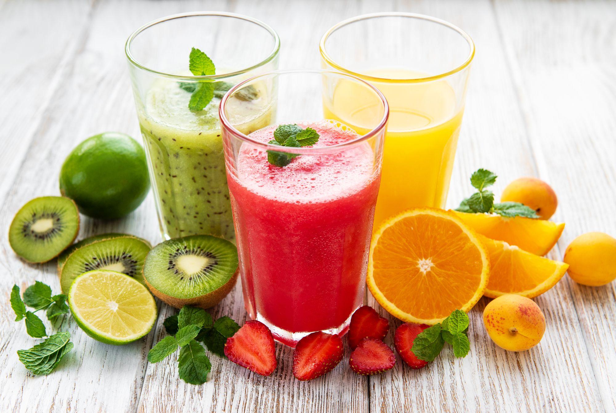 Suco de frutas. (Reprodução/Freepik)