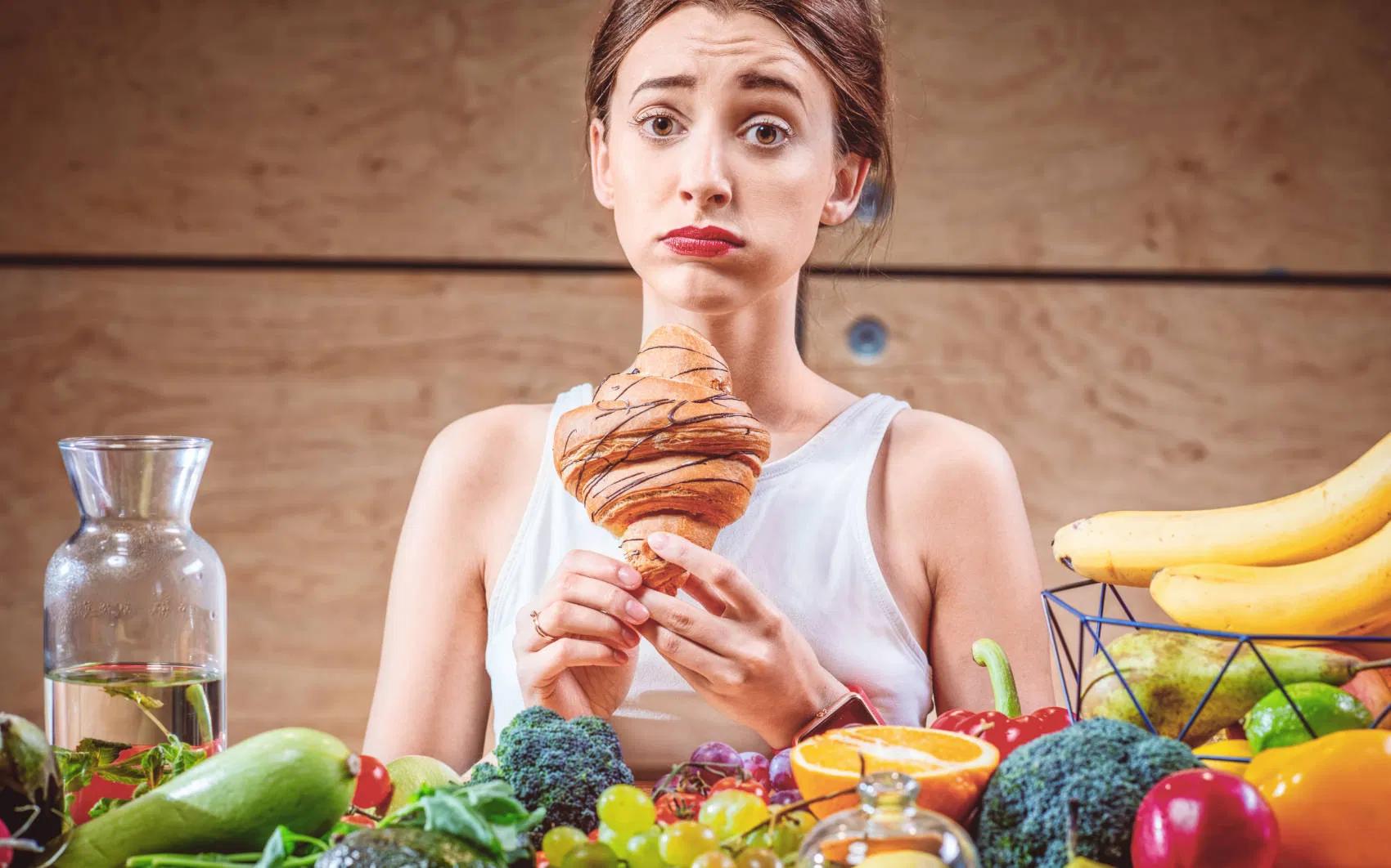 Tire da sua rotina alimentos inflamatórios para evitar enxaqueca (Fonte: Gymit Health & Fitness Blog)