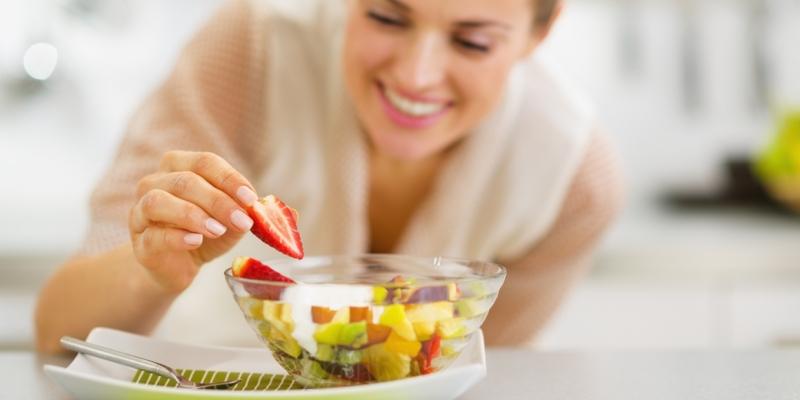 Não fique sem comer, coma de 3 em 3 horas. (Fonte: Banco da Saúde)