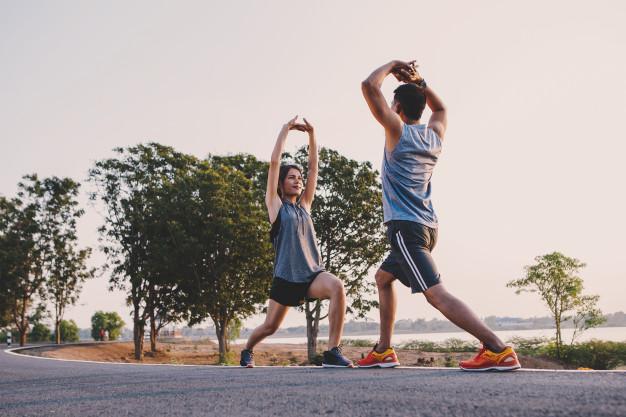 Deixar de lado o sedentarismo é ideal para manter a saúde em dia (Fonte: Freepik)